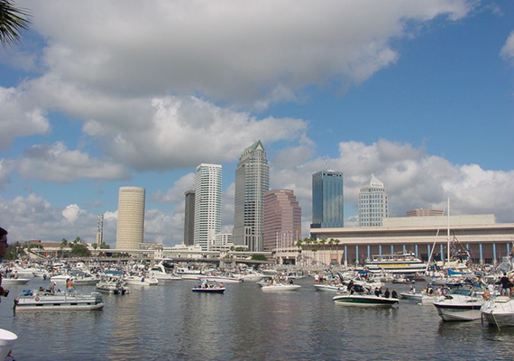 800px-Downtown_Tampa_During_Gasparilla_Pirate_Fest_2002